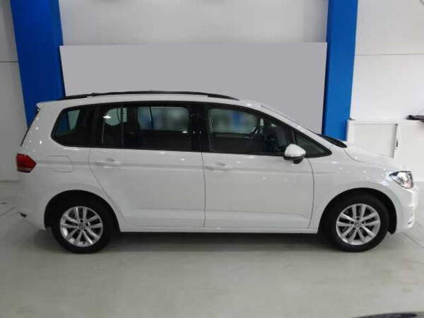 VOLKSWAGEN TOURAN BUSINESS REN1600 (5)